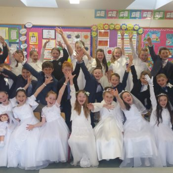 Our 2nd class celebrate their First Holy Communion!